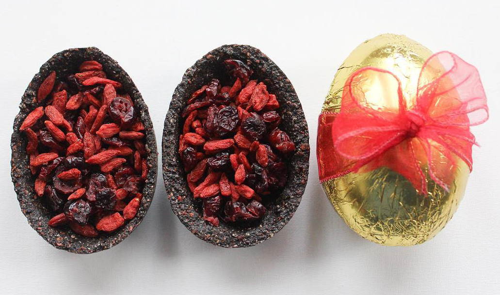 Raw Chocolate Pie Easter Egg